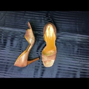 Women's - GUCCI - Classic D'Orsay Snakeskin Pumps